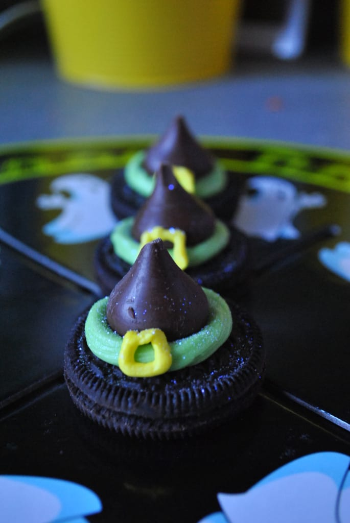 Halloween-Oreo-Witch-Hats