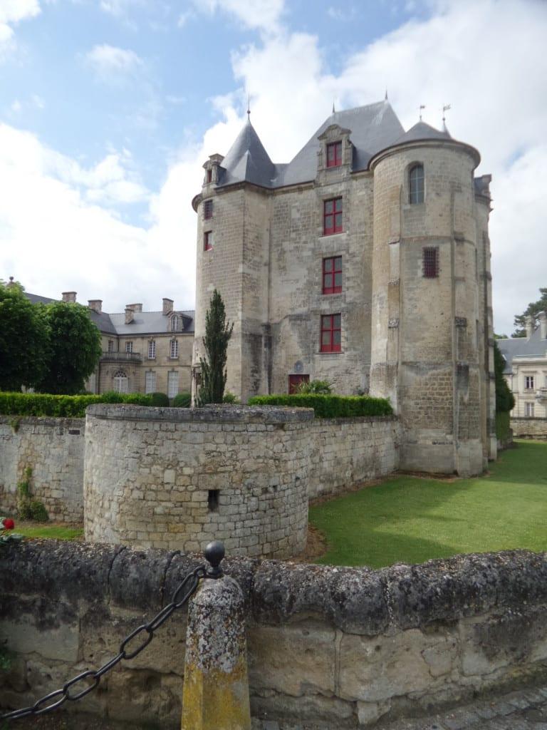 The Quaint Town Of Vic Sur Aisne France Super Busy Mum
