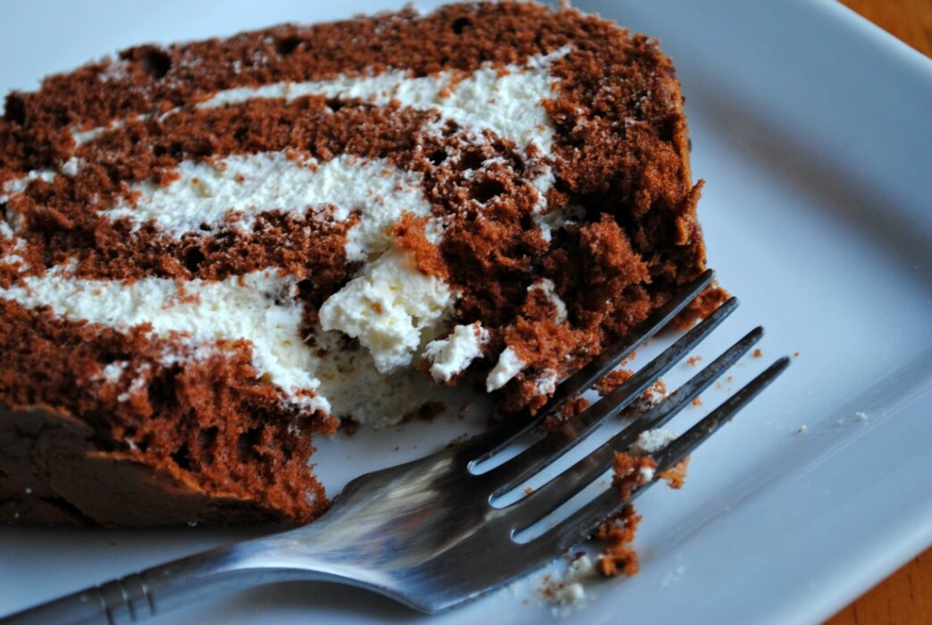 Chocolate Swiss roll - recipe 3