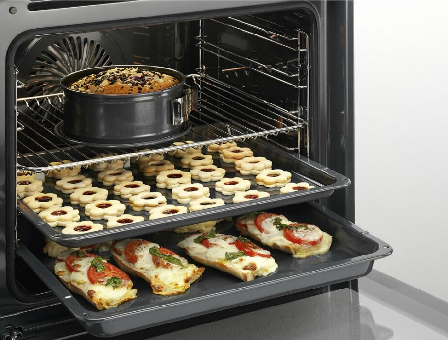 AEG Integrated Oven from AO.com