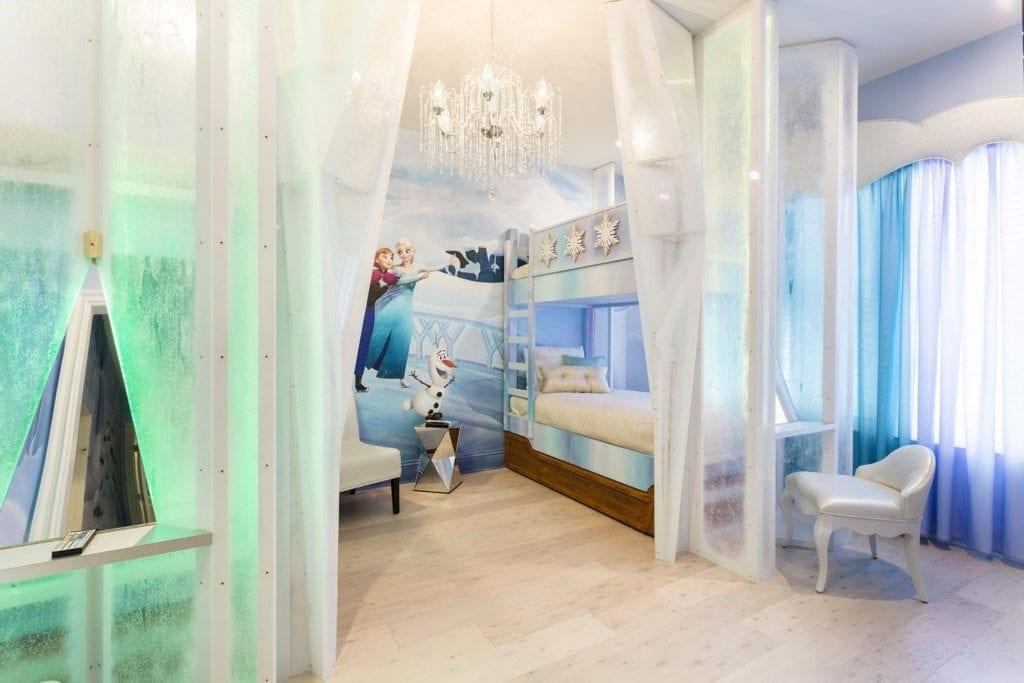 thumbnail_Reunion Resort 752%27s frozen bedroom