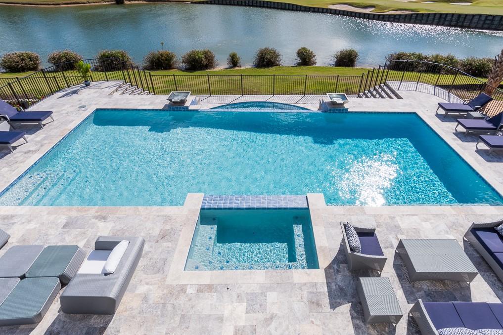 thumbnail_reunion resort 1500 pool