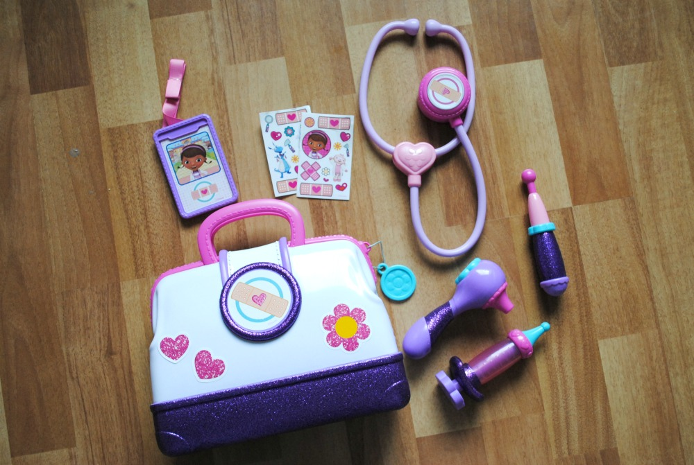 doc-mcstuffins-doctors-bag-set