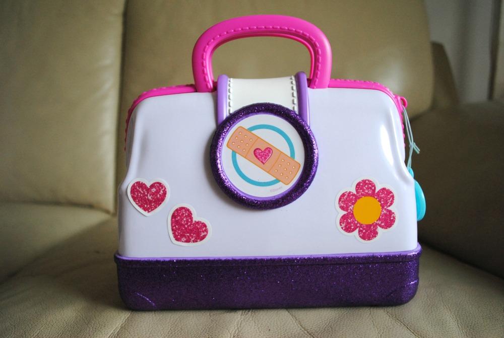 doc-mcstuffins-doctors-bag-set