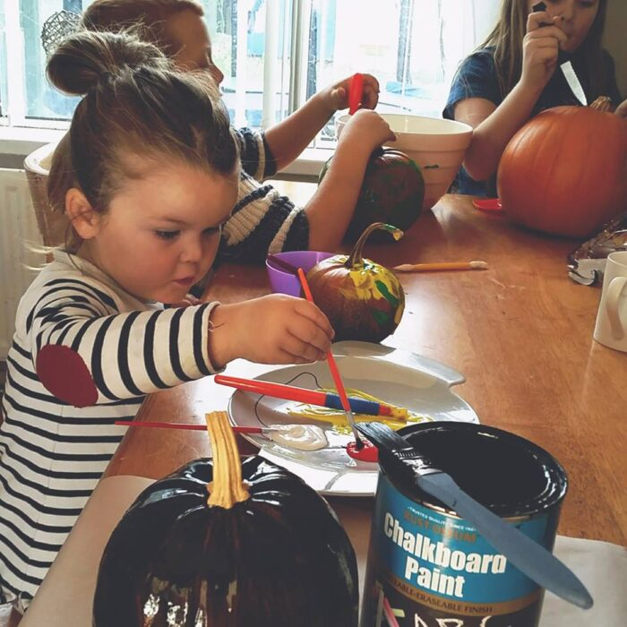 painting-pumpkins