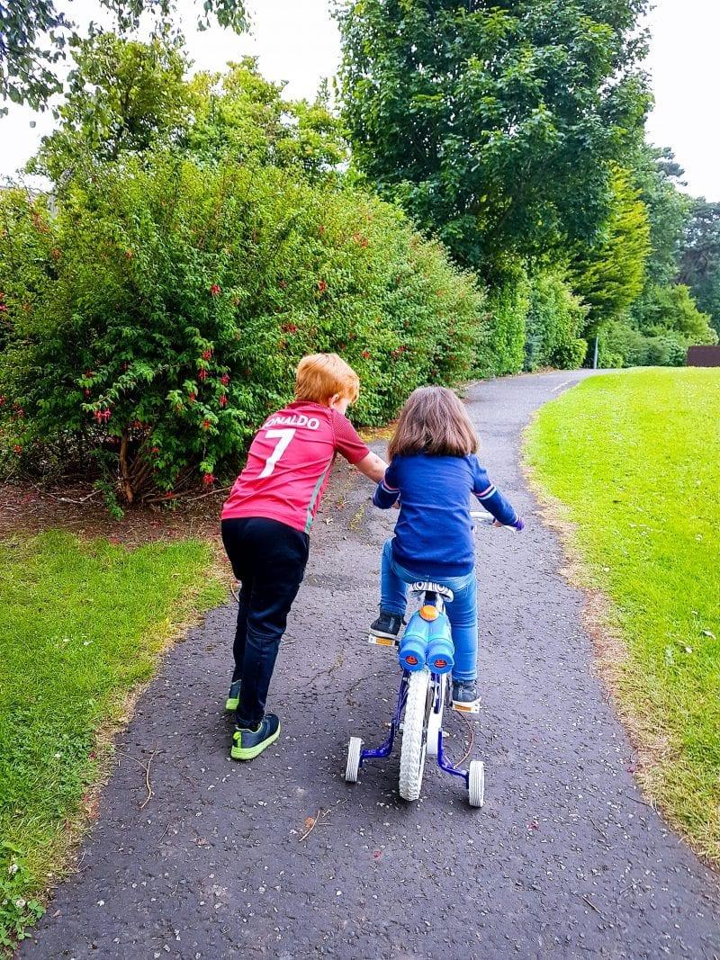 A post sharing my Siblings in June.